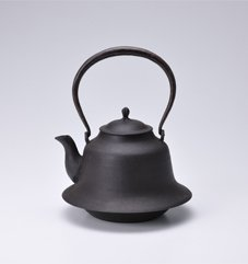 Photo of Habiro iron kettle